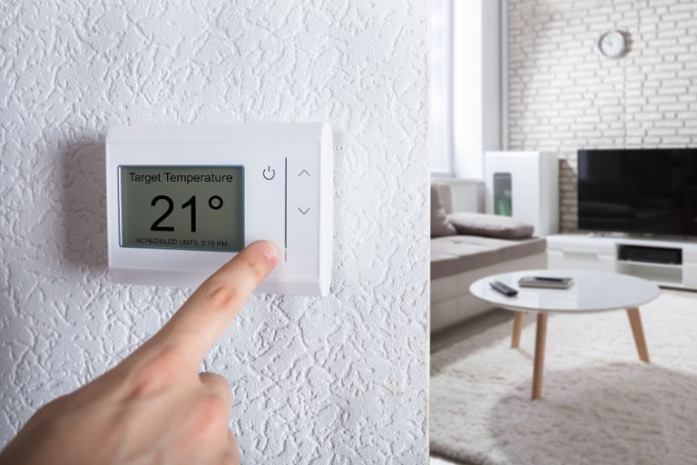 Energy-efficient heating cooling system