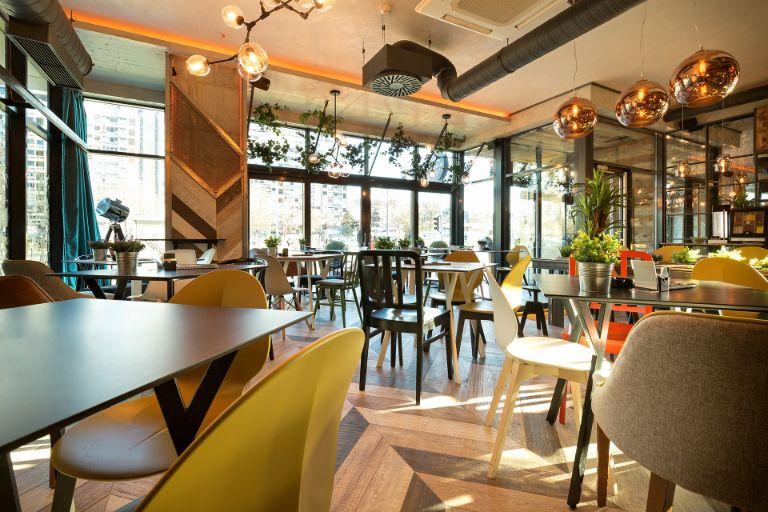 კაფეები და რესტორნები